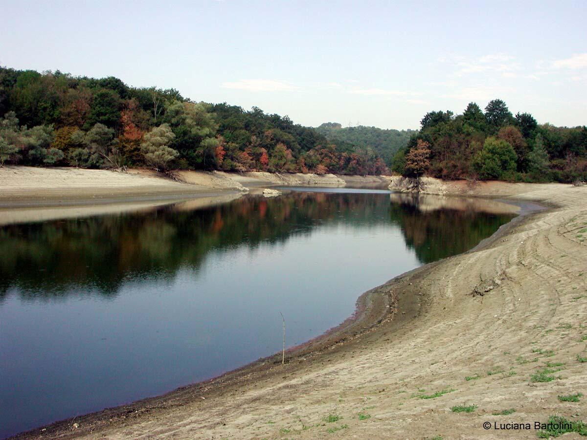Riserva naturale della valle dell 39 inferno e bandella - Letto di un fiume in secca ...