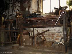 Banco Da Lavoro Per Fabbro : Il fabbro utensili macchine e attrezzi